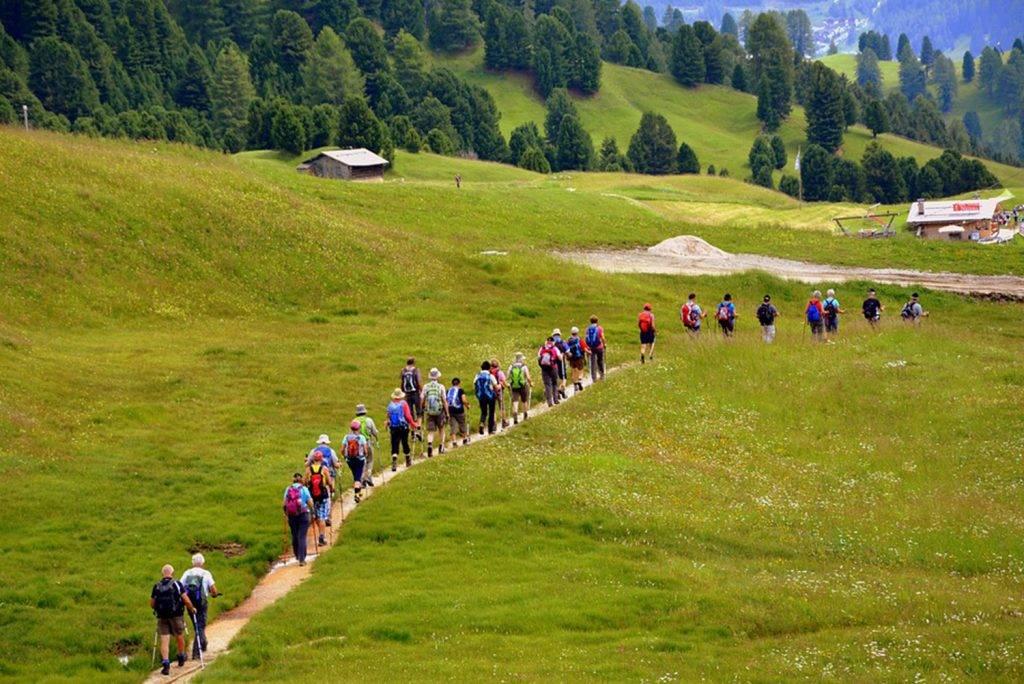 Les bienfaits de la randonnée chez les seniors